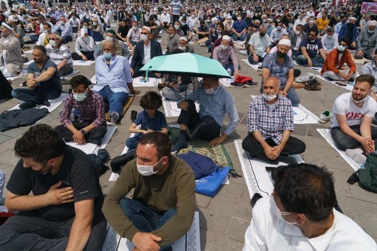 افتتاح مسجد در استانبول ترکیه؛ پر حاشیه و جنجالی