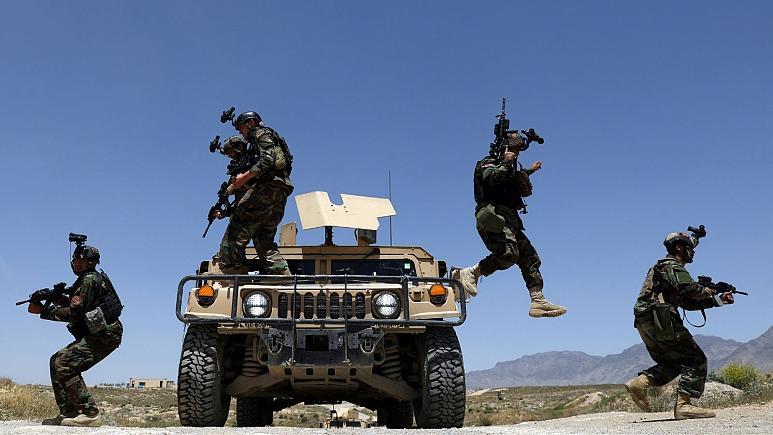 تشدید نبردها در افغانستان و پیشروی طالبان به سمت مزار شریف