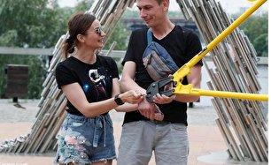 دستبند هم به نجات رابطه این زوج کمک نکرد! (+عکس)