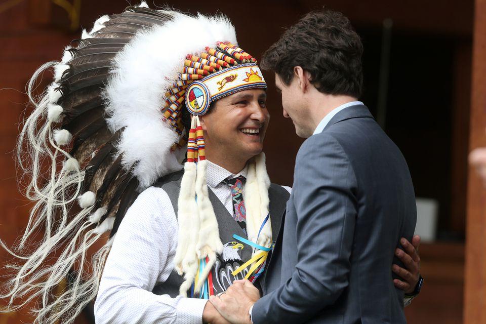 ترودو و رهبر بومیان اولیه کانادا