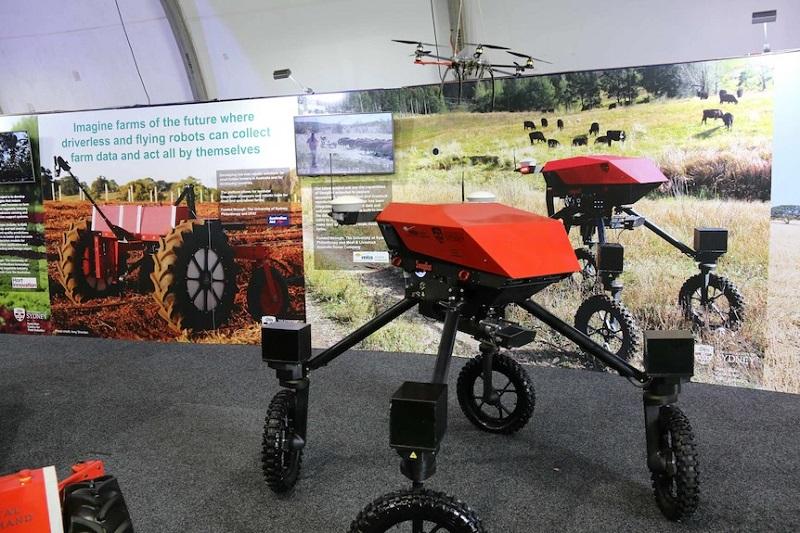 ربات ها و هوش مصنوعی در آینده نزدیک جای کارگران بخش کشاورزی را میگیرند