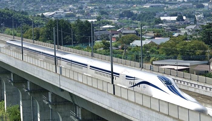 آئروترین؛ بلندپروازی ژان برتین با قطاری روی مسیر بتنی! (+فیلم و عکس)