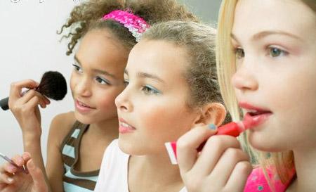 دختران از چه موقع میتوانند آرایش کنند؟