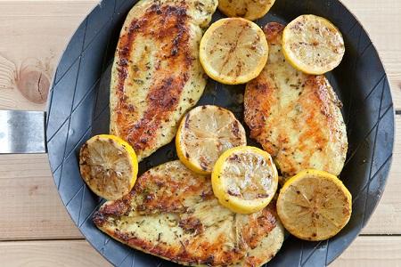 طرز تهیه 2 نوع غذای رژیمی با مرغ