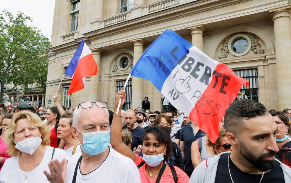 تظاهرات فرانسه علیه واکسن اجباری