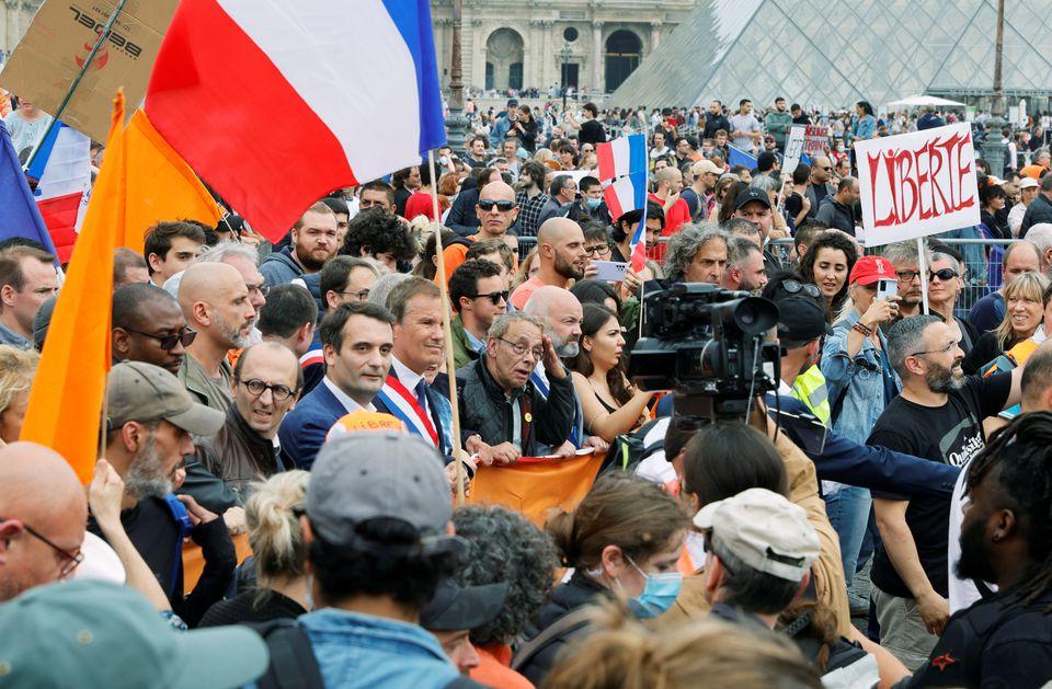تظاهرات صدهزاری نفری فرانسه؛ معترضان خواستار آزادی واکسیناسیون