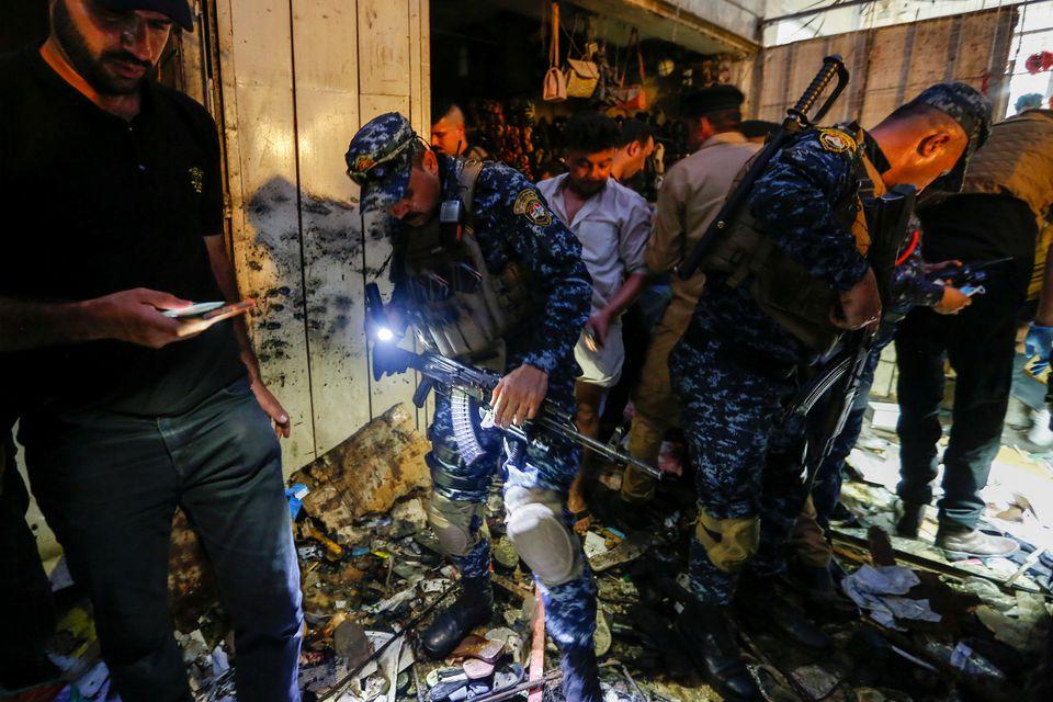 بازار منفجر شده عراق (عکس)/ خریداران عید قربان هدف قرار گرفتند