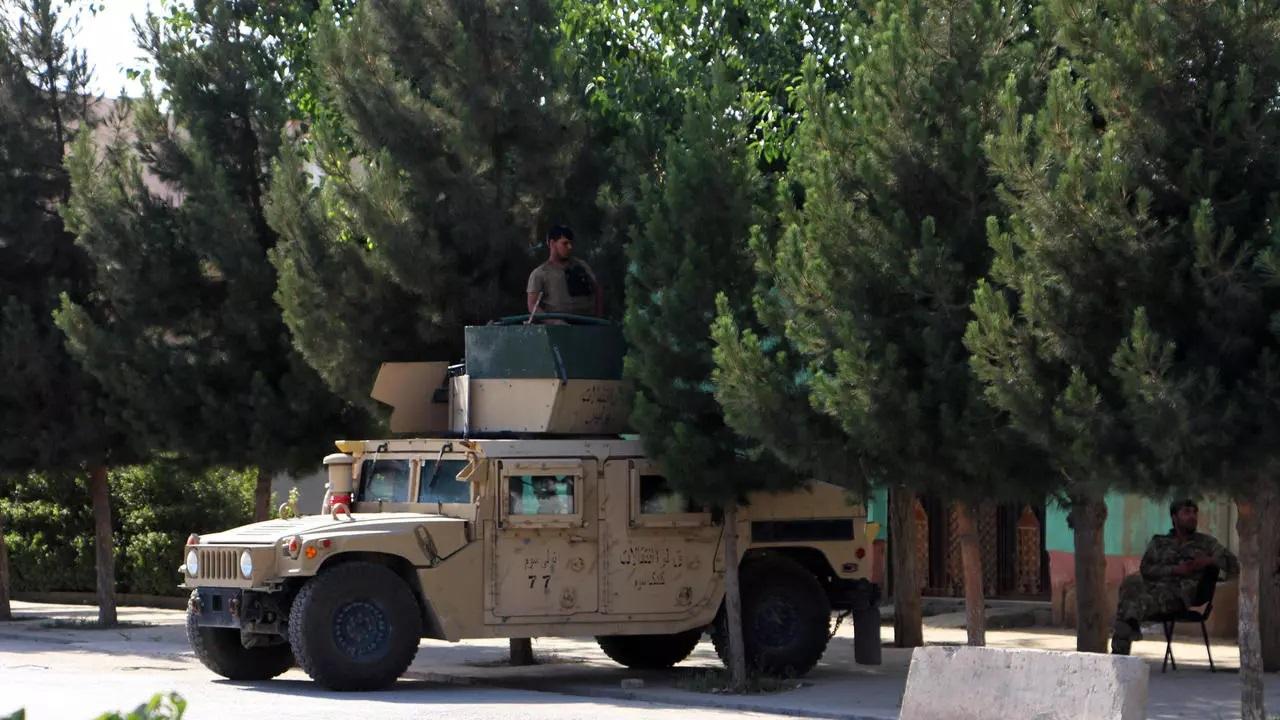 خودروی نیروهای نظامی افغان در قندوز