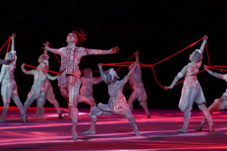 هنرمندان در مراسم المپیک ژاپن