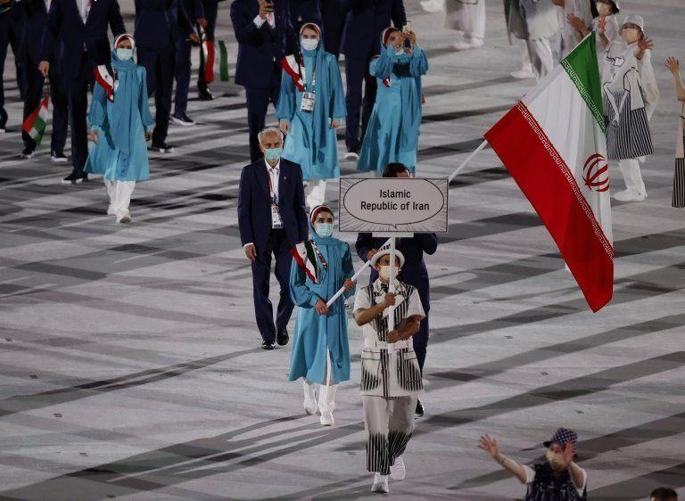 رژه تیم ملی ایران در مراسم افتتاحیه  المپیک