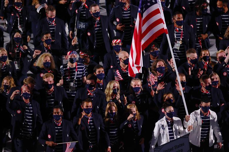 رژه تیم ملی آمریکا در مراسم افتتاحیه المپیک 2020
