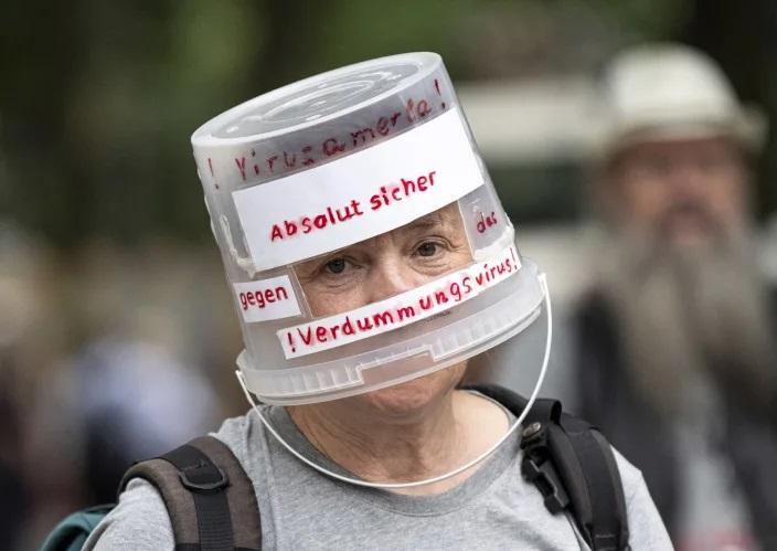 تظاهرات برلین به اقدامات محدود کننده کرونا