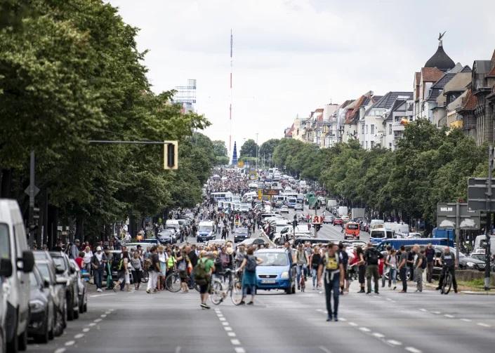 اعتراضات در آلمان به محدودیت کرونا