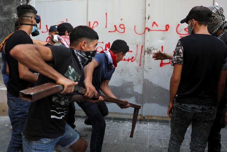 معترضان لبنان در سالگرد انفجار بیروت