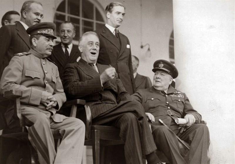 عکس شبیهسازی شدۀ سفیران روس و انگلیس؛ یادآور تحقیر اشغال یا پیمان با متفقین؟