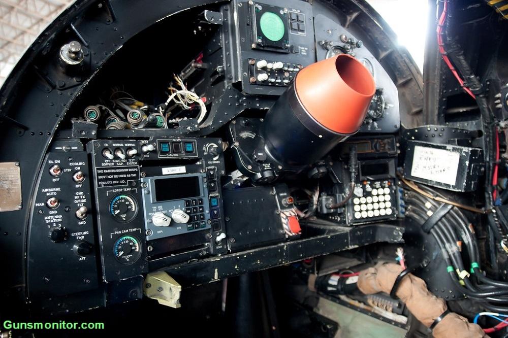 کانبرا پیآر.9؛ هواپیمای شناسایی با دماغهای لولایی! (+عکس)