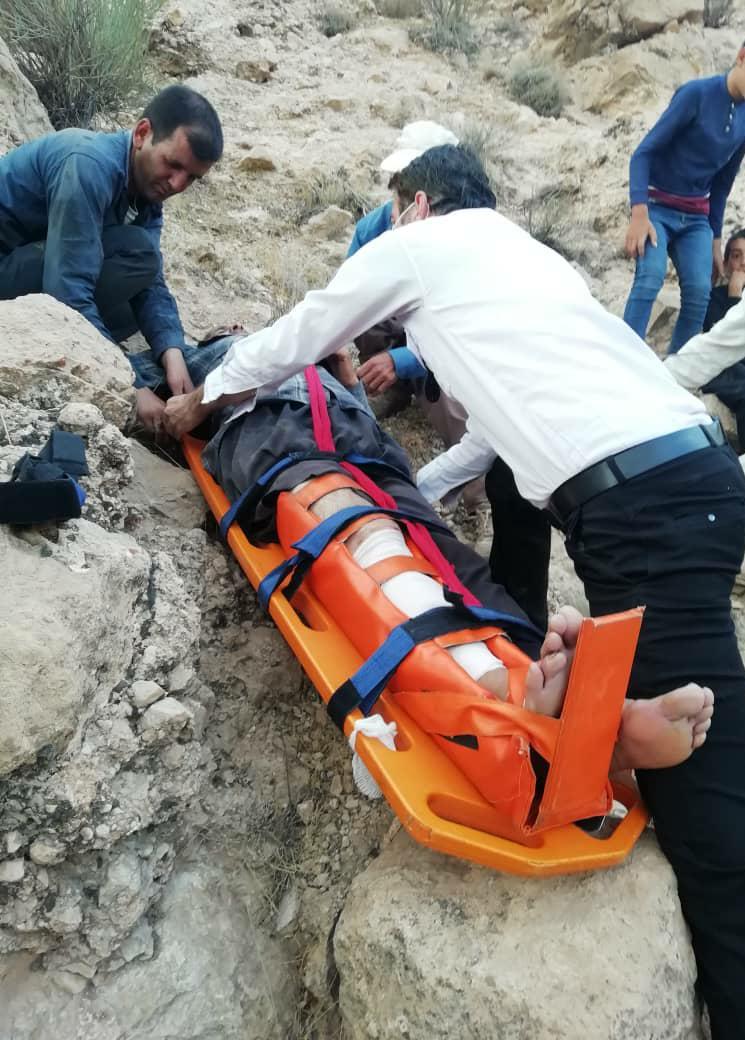 فارس/ سقوط یک کوهنورد از ارتفاعات بختگان