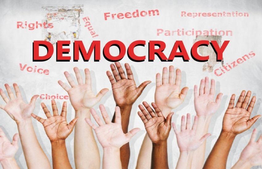 دموکراسی، بوی تمدن میدهد نه شرک
