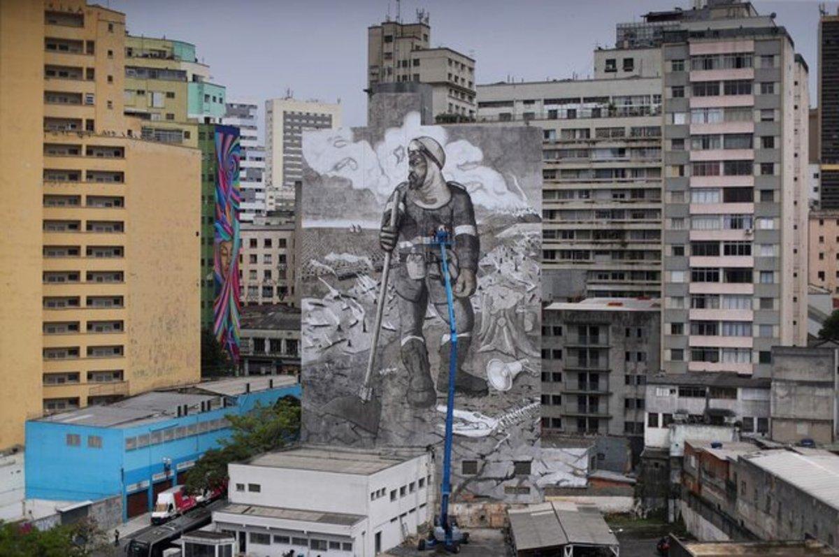نقاشی دیواری عظیم با خاکسترهای جنگل آمازون (+ عکس)