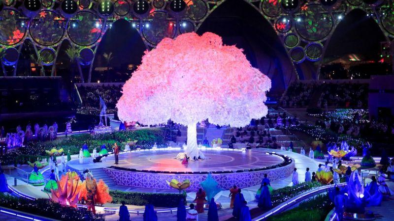 افتتاحیه اکسپوی دبی / 6 ماه نمایشگاه برای معرفی کشورها / برنامه جذب 25 میلیون گردشگر