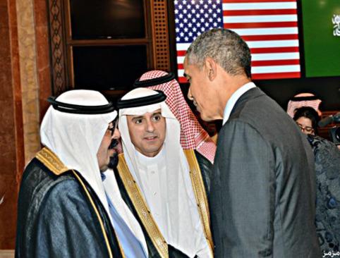 باراک اوباما رئیس جمهور آمریکا (راست)، عادل الجبیر سفیر وقت عربستان سعودی در واشنگتن (وسط) و ملک عبدالله پادشاه وقت عربستان سعودی / سفر اوباما به عربستان