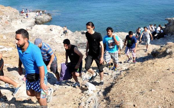 پلیس ترکیه از آوارگان سوری می خواهد به هتل های محل اقامت شان بروند و ساحل را ترک کنند