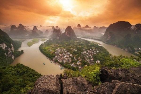 2- یانگشوئو تاون، در استان گوانگشی در جنوب چین.