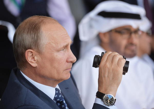 ولادیمیر پوتین رییس جمهور روسیه در مراسم گشایش نمایشگاه بین المللی حمل و نقل هوایی و فضایی در شهر ژوکوفسکی روسیه