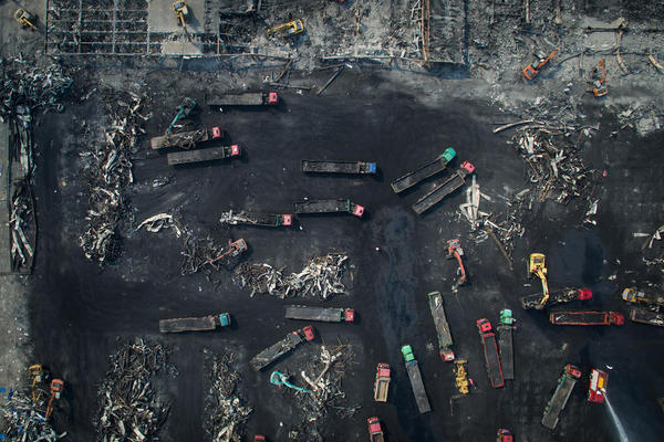 ادامه عملیات پاکسازی منطقه انفجار مهیب در شهر تیانجین چین