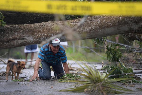 ویرانی های ناشی از توفان اریکا در پورتو ریکو