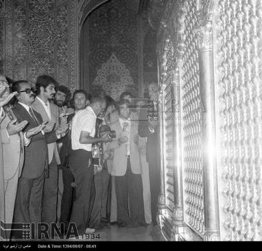 ورزشکاران ایرانی پیش از شروع هفتمین دوره بازی های آسیایی تهران ، از حرم مطهر امام رضا (ع) زیارت می کنند