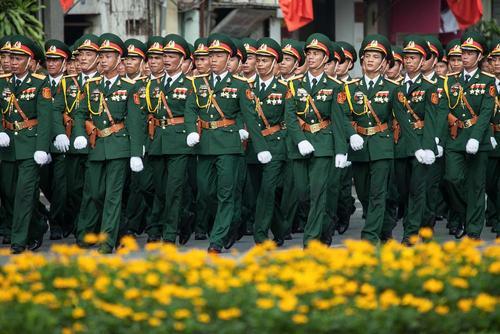رژه نیروهای نظامی ویتنام در هفتادمین سالگرد استقلال ویتنام – شهر هانوی