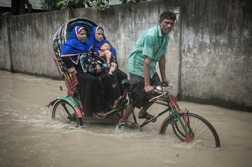 مسافر کشی در سیل بنگلادش
