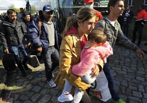 ورود آوارگان سوری به برلین آلمان