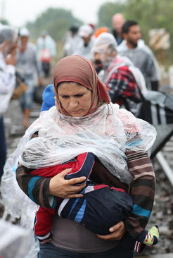 پناهجویان آسیایی در مرز مجارستان