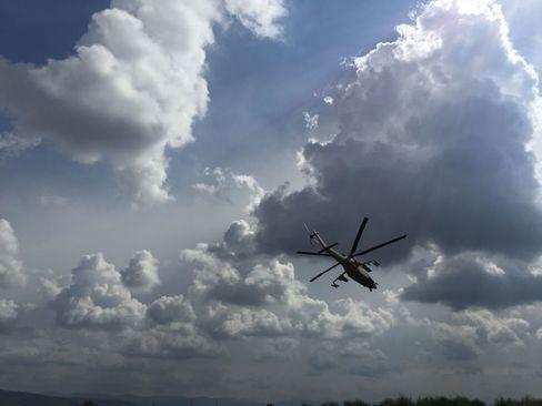 بالگردهای تهاجمی می ـ 24 روسیه برای اجرای ماموریت رزمی از فرودگاه نظامی