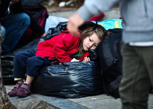 پناهجویان افغان در میدان ویکتوریا در شهر آتن یونان