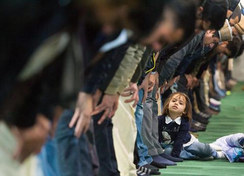 نماز جمعه در مسجدی در لندن