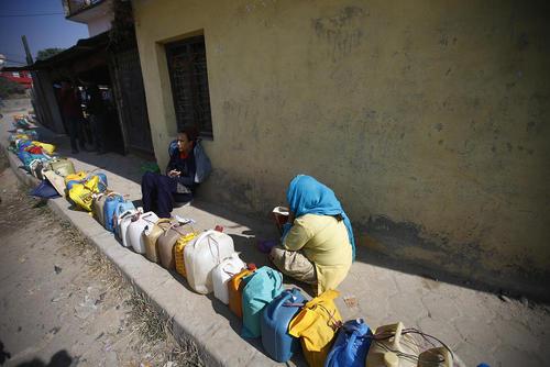 صف نفت در کاتماندو نپال