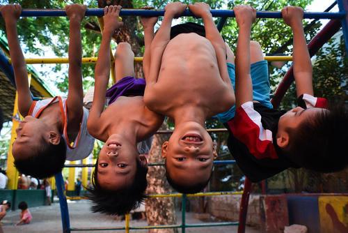 پارک بازی کودکان در شهر مانیل فیلیپین
