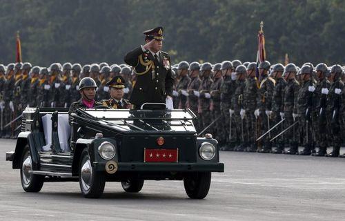 فرمانده ارتش تایلند در مراسم روز ارتش – بانکوک