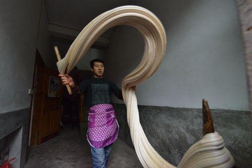 تولید آب نبات های دست ساز در روستایی در چین