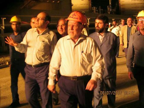 حضور بیژن زنگنه وزیر نفت در محل آتش سوزی پتروشیمی ماهشهر در ساعت 3 بامداد جمعه