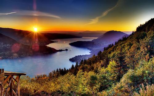 دریاچه انسی- کوه های آلپ فرانسه