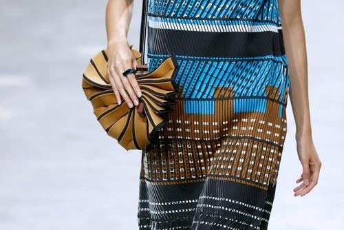 نمایش مد لباس در نمایشگاه پاریس - خبرگزاری فرانسه
