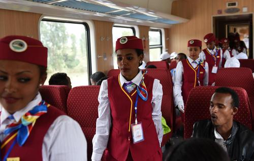 افتتاح نخستین قطار برقی قاره آفریقا بین پایتخت های اتیوپی و جیبوتی – ایستگاه راه آهن آدیس آبابا