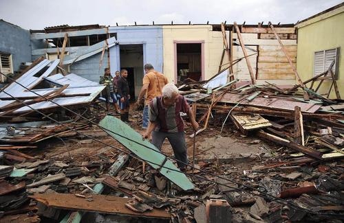 صدمات بر جای مانده از توفان مهیب متیو بر شهر ساحلی باراکوئا در کوبا
