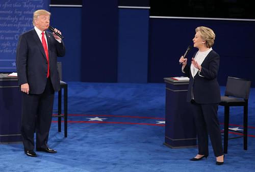 دومین مناظره زنده تلویزیونی دو نامزد اصلی انتخابات ریاست جمهوری آمریکا در دانشگاه واشنگتن در شهر سن لوییس ایالت میسوری آمریکا