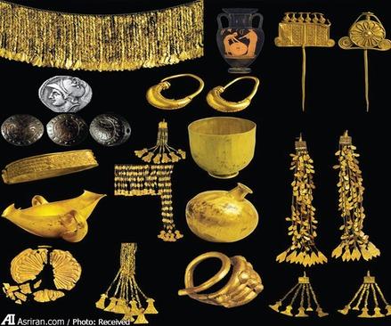 برخی از جواهرات و گنجینه های کشف شده از این شهر تاریخی در دهه های گذشته به جز ترکیه به موزه های آلمان، آمریکا و روسیه نیز راه یافته اند. دولت ترکیه در سال های گذشته قطعاتی از این آثار را از آمریکا بازپس گرفت.