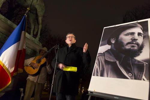 سخنرانی یک سیاستمدار چپ فرانسوی در آیین گرامیداشت کاسترو در پاریس